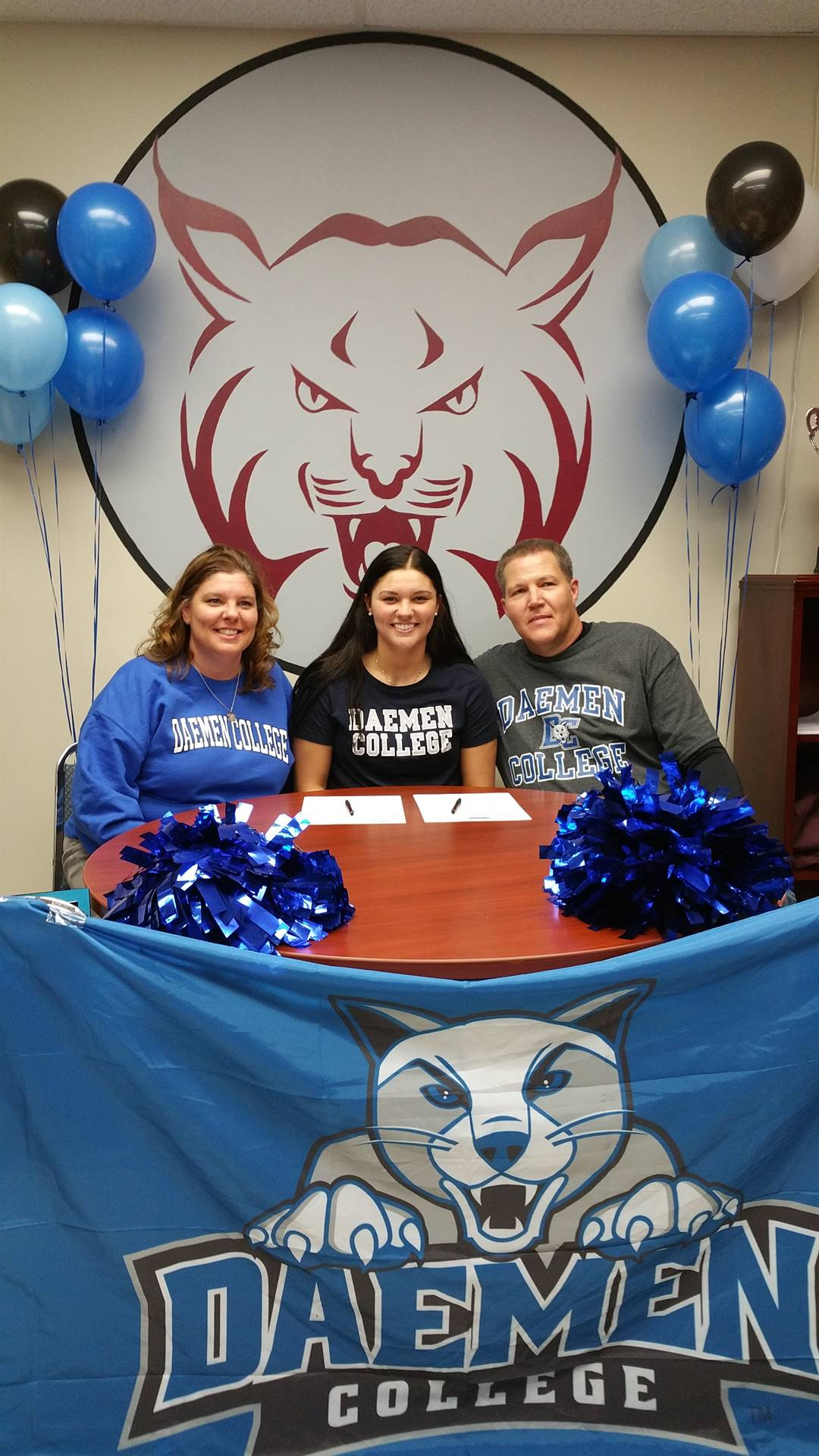 Sydney Barney signs to play basketball at Daemen College!