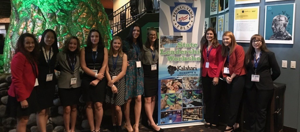 Nine students and teacher sponsor attending FBLA State Leadership Workshop at Kalahari Resort
