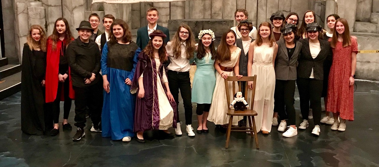 21 Students participating in Shakespeare Festival